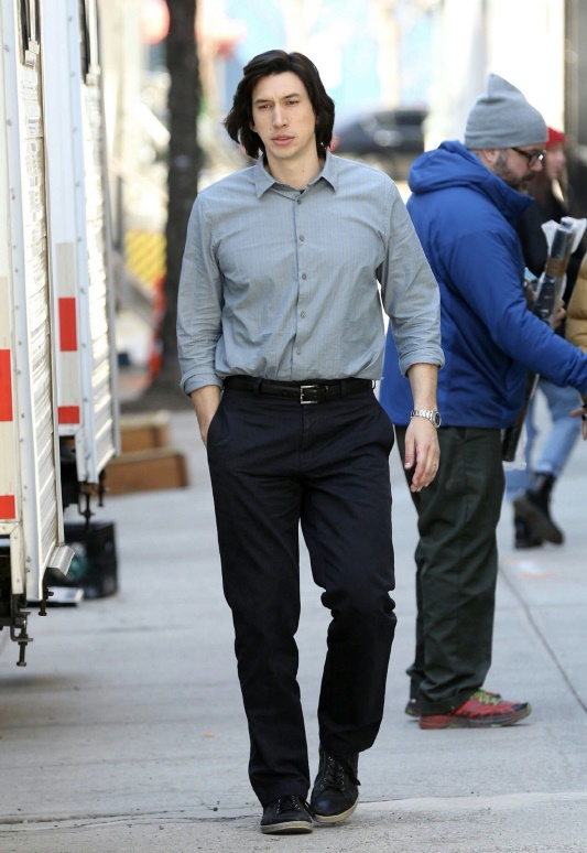 Look1_AdamDriver_9TO9Online.jpg